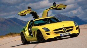 Mercedes-Benz привезет в Париж дизельный суперкар SLS AMG