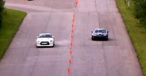 Nissan GT-R vs Dodge Viper SRT-10 Supercharged
