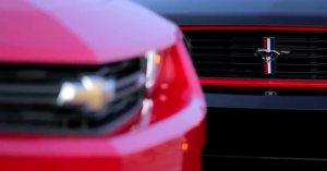Chevrolet Camaro ZL1 vs Ford Mustang Boss 302 Laguna Seca