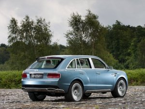 Появились первые изображения нового кроссовера Bentley EXP 9F